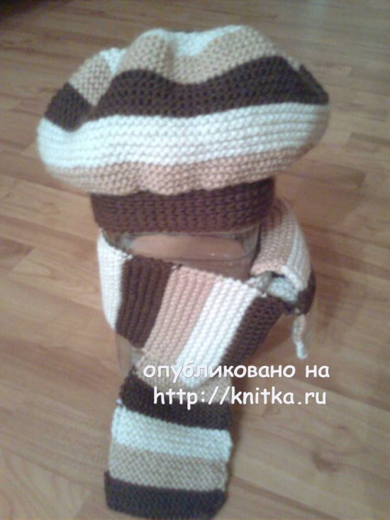 Beret and scarf associated spokes
