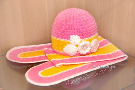 Hat and scarf for girls. Work Roxanne