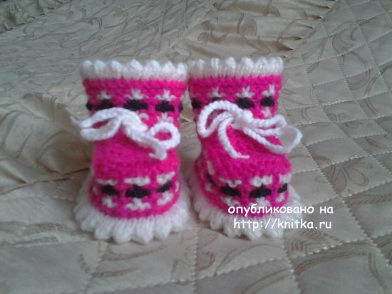 Knitted baby booties knitting. Work Rimmy