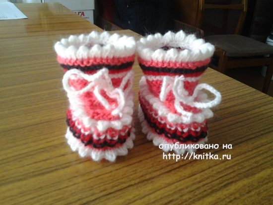 Knitting bootees knitting. Work Rimmy